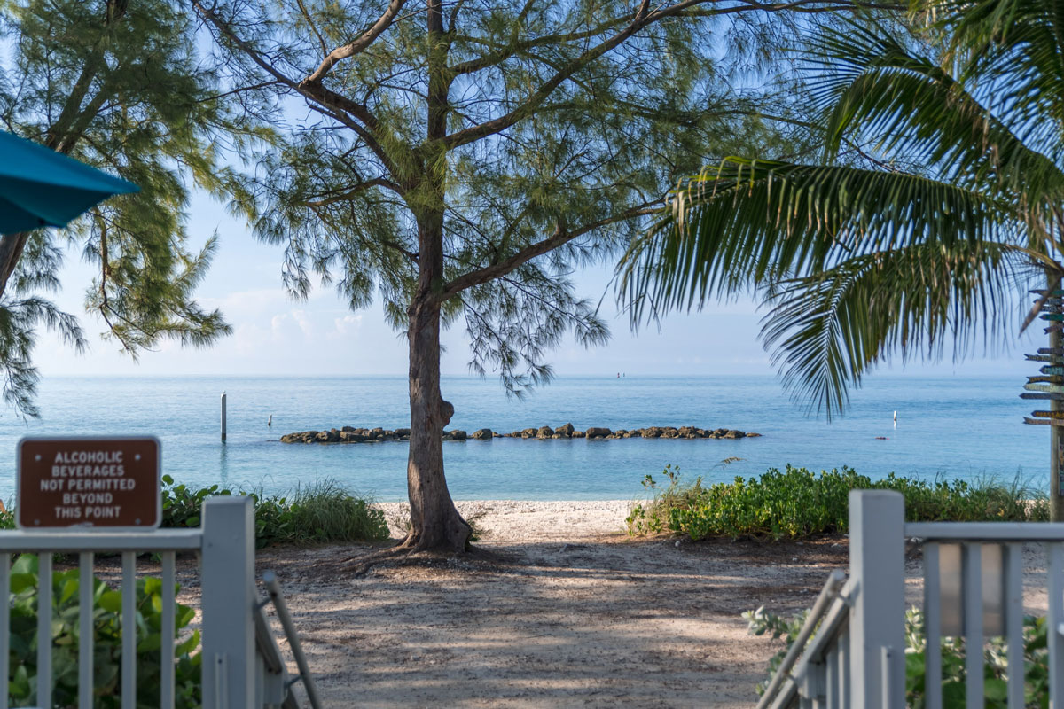 photo of the ocean view from Cayo Hueso Cafe