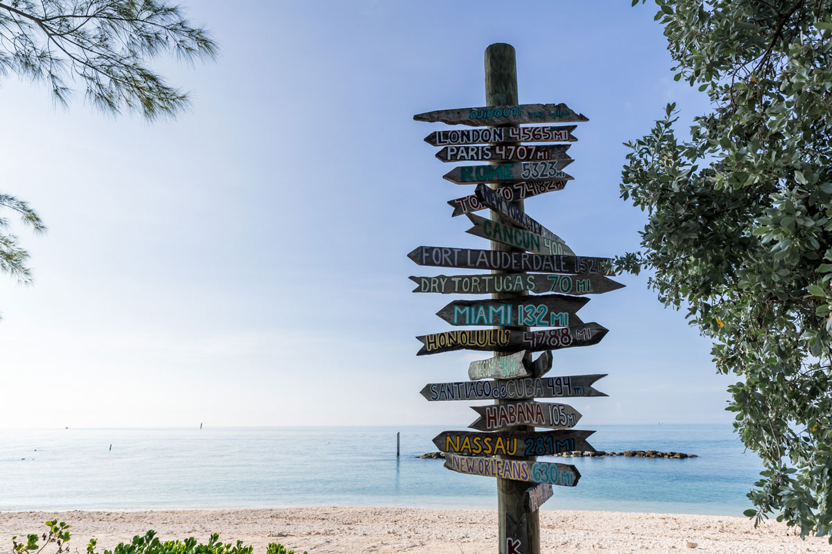 photo of the world cities sign at fort zachary taylor park.