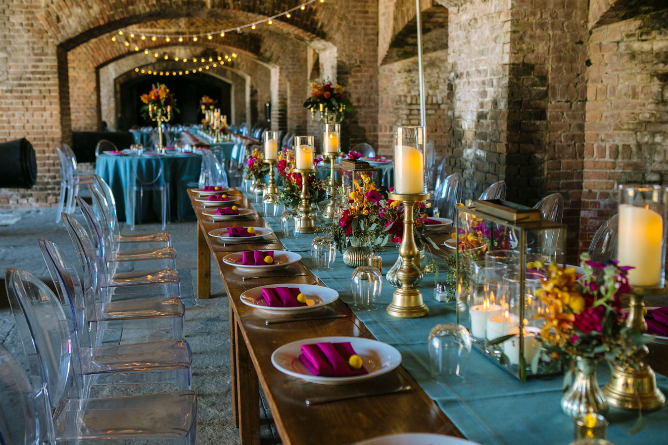 Photo of table decorations for a wedding reception in Fort Zachary Taylor.